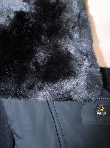 ΜΟΧ Ενισχυμένο αμάνικο μπουφάν, λούτρινη γούνα